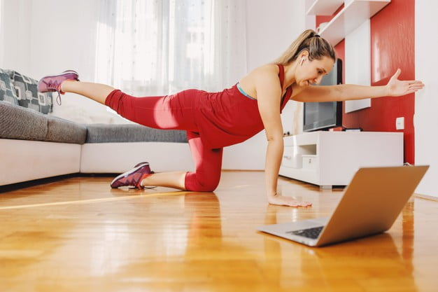 How to Get the Most Out Of Online Fitness Classes During COVID-19